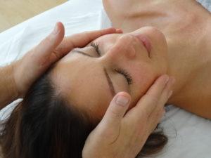 Gesichtsmassage lernen  - Massage Ausbildung Berlin